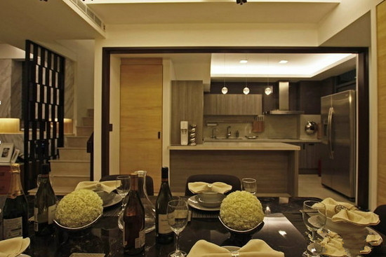 nature stone tile veneer texture oblique extension of the equipment to close the cabinet in the restaurant for the transport of hollow pieces of iron for