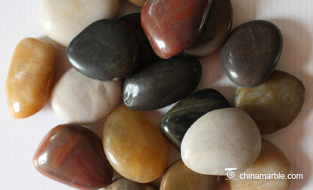 Multicolour pebble stone